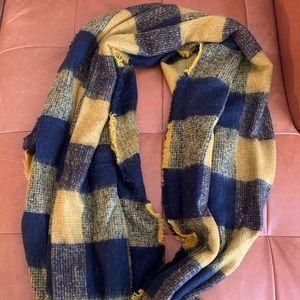 Plaid wool blend scarf / Zara